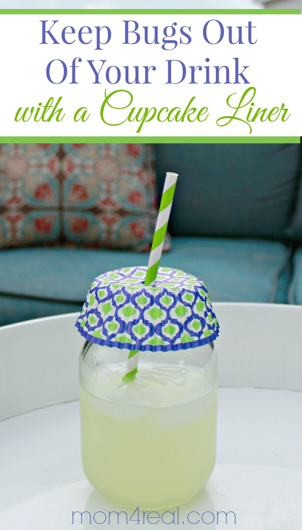 Keep-Bugs-Out-of-Your-Drink-With-a-Cupcake-Liner