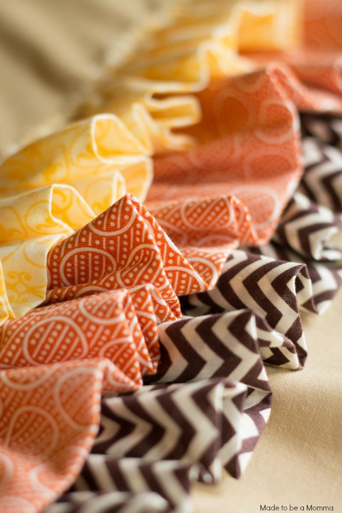Pretty Ruffles. To Make Your Own Table Runner ...