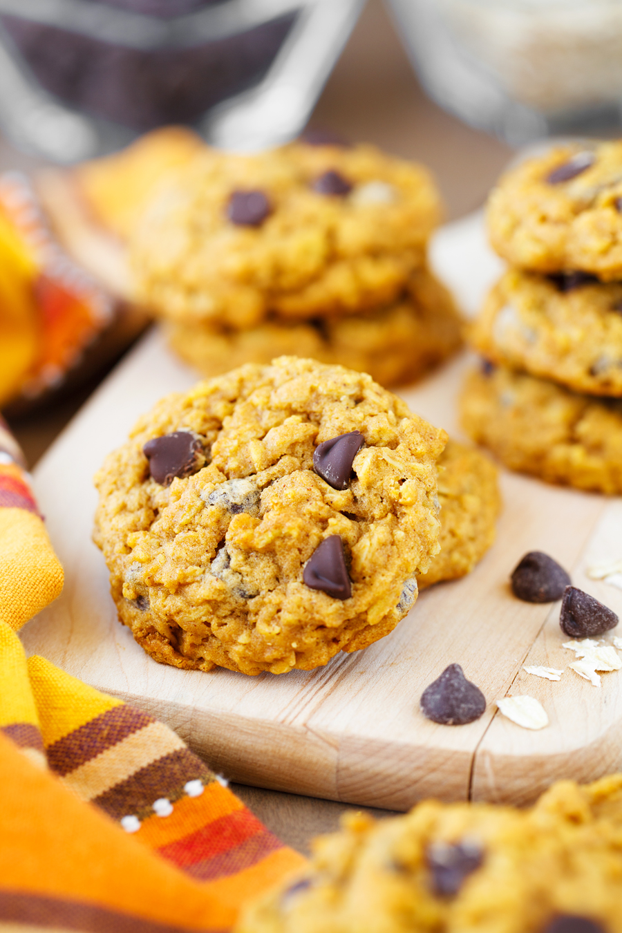 These Pumpkin Chocolate Chip Oatmeal Cookies are a delicious and soft cookie that's full of fall flavor! Canned pumpkin, cinnamon, oats, and chocolate make for a delicious fall cookie your whole family will love!