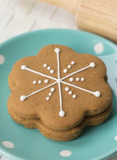 Simple Snowflake Gingerbread Cookie