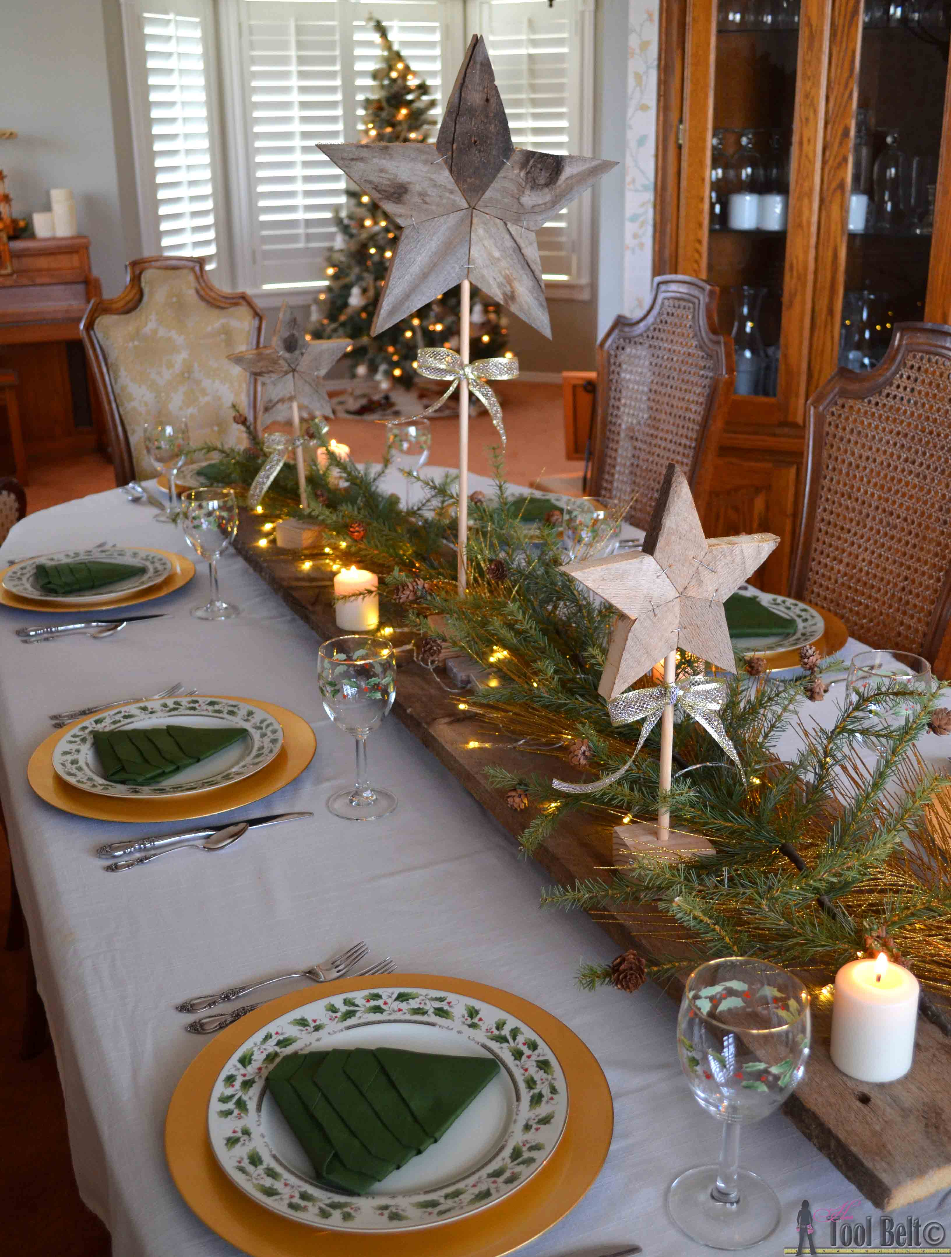 Easily Add Natural Elements Into Your Christmas Decor With These Simple Patchwork Rustic Stars Free