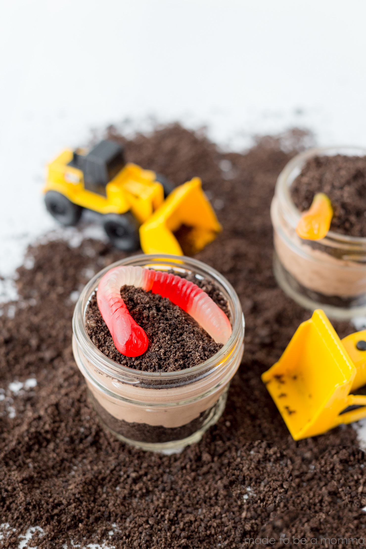 Construction Dirt Cups   Dirt Cups   Treats for Kids   Summer Snacks