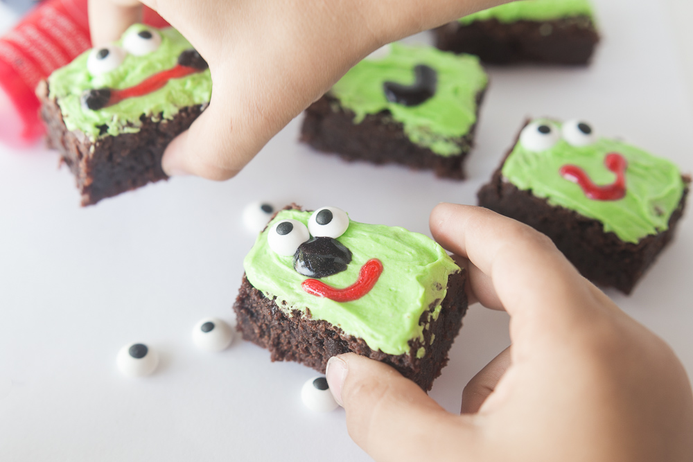 Silly Face Brownies-19