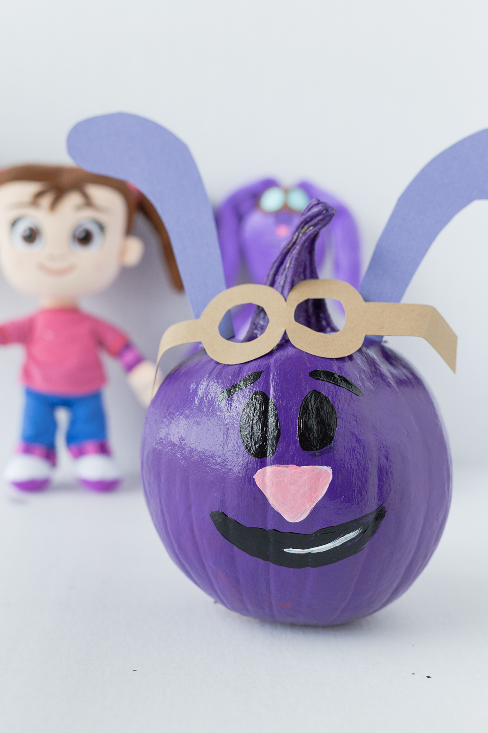 Kate & Mim Mim Pumpkin: a fun painted Mim Mim pumpkin the kids can enjoy!
