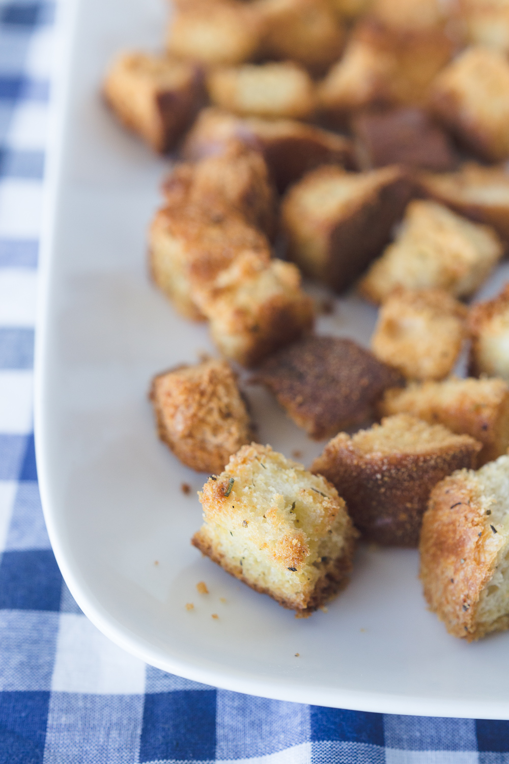Homemade Croutons: a delicious and simple recipe for croutons that are perfect for soups, salads, and more!