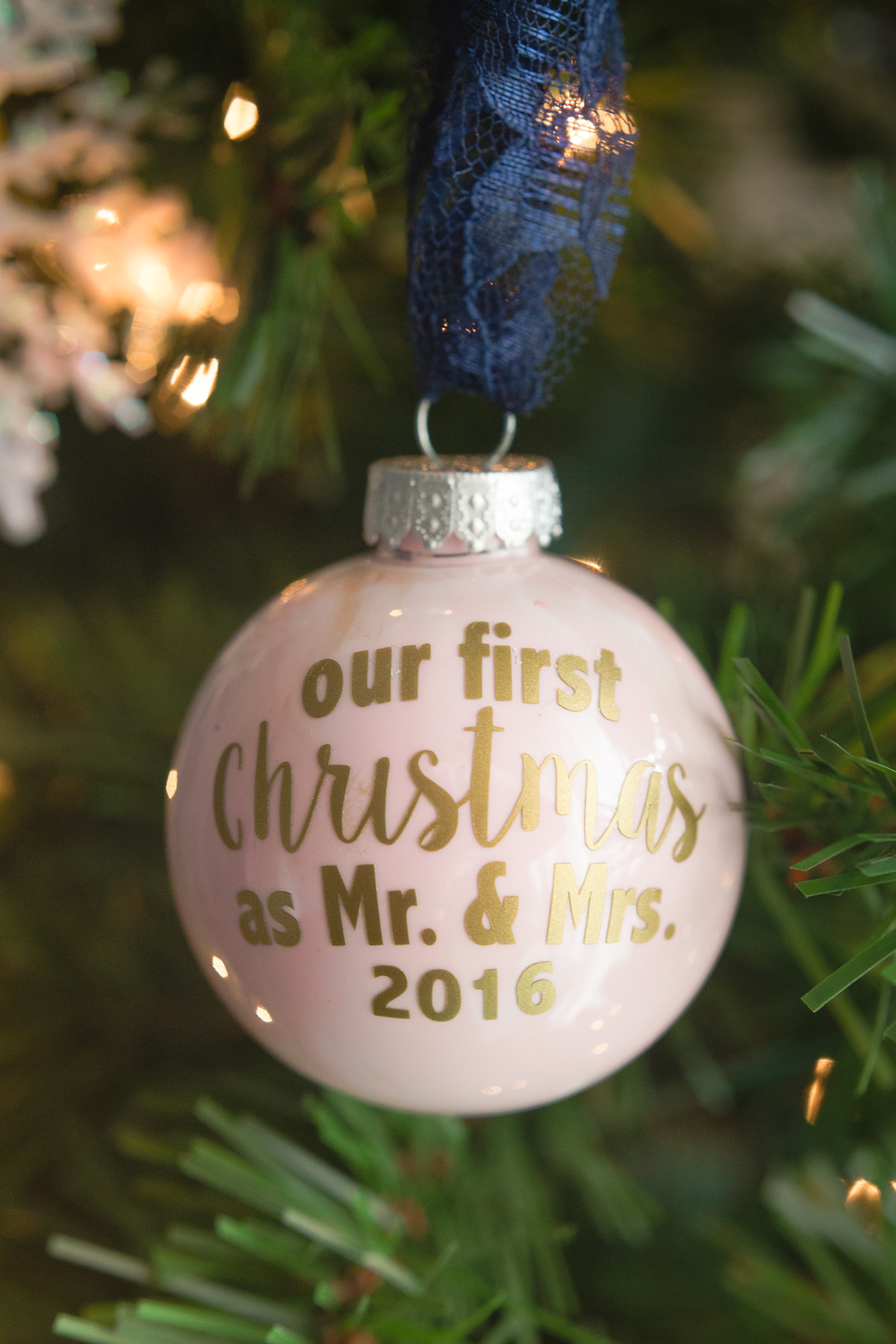 mr-mrs-ornament-25