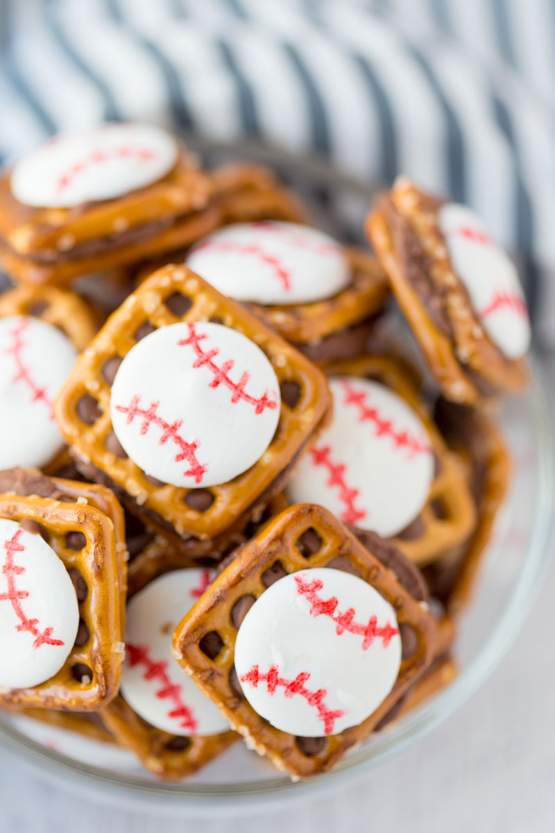 Baseball Chocolate Pretzel Bites