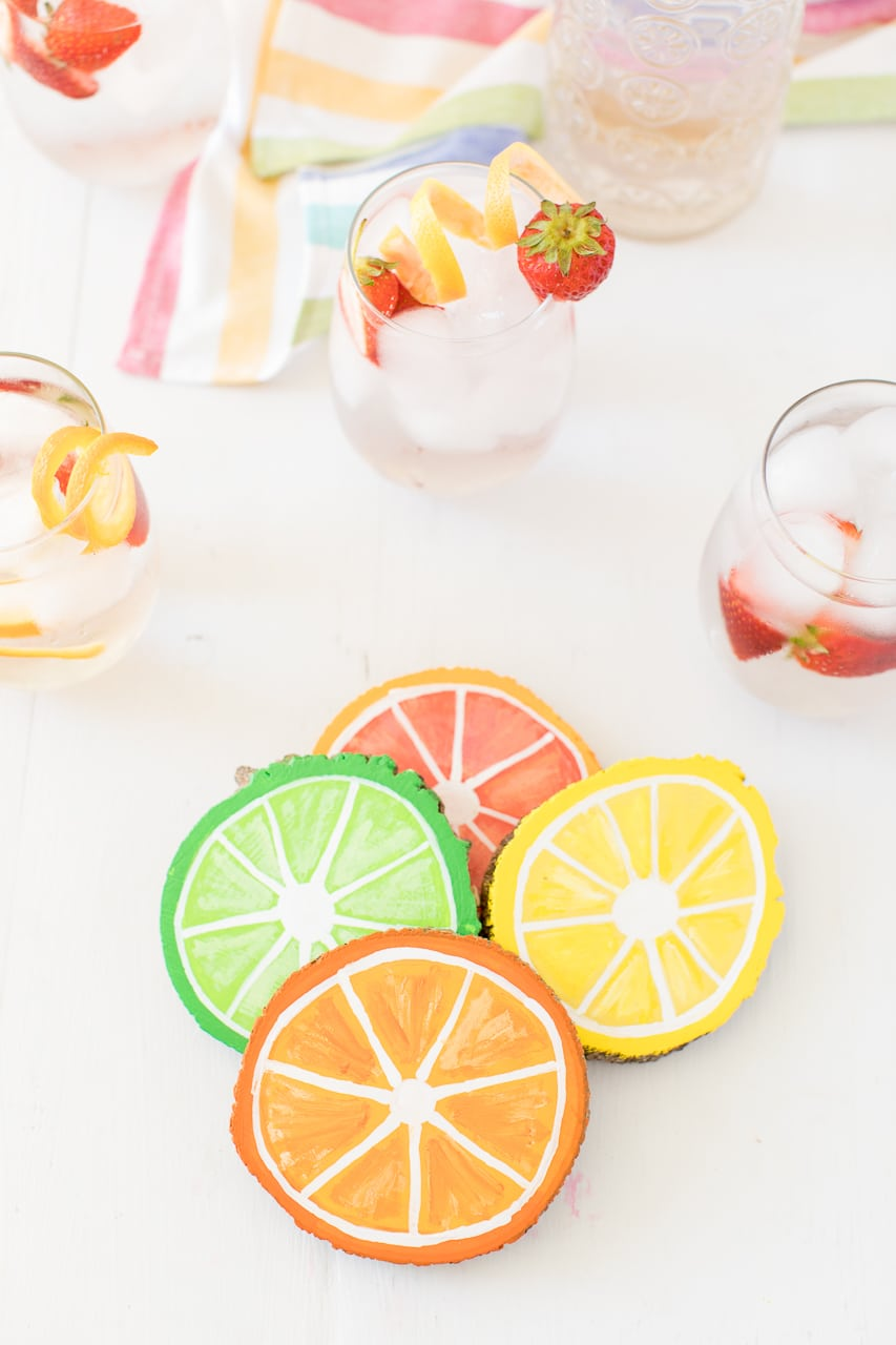 Citrus Wooden Coasters: a fun and easy DIY wooden coaster craft! The citrus designs are perfect for summertime.