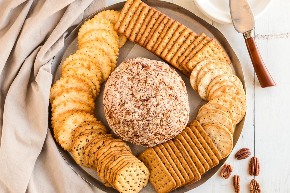 Crackers to serve with Cheese Ball