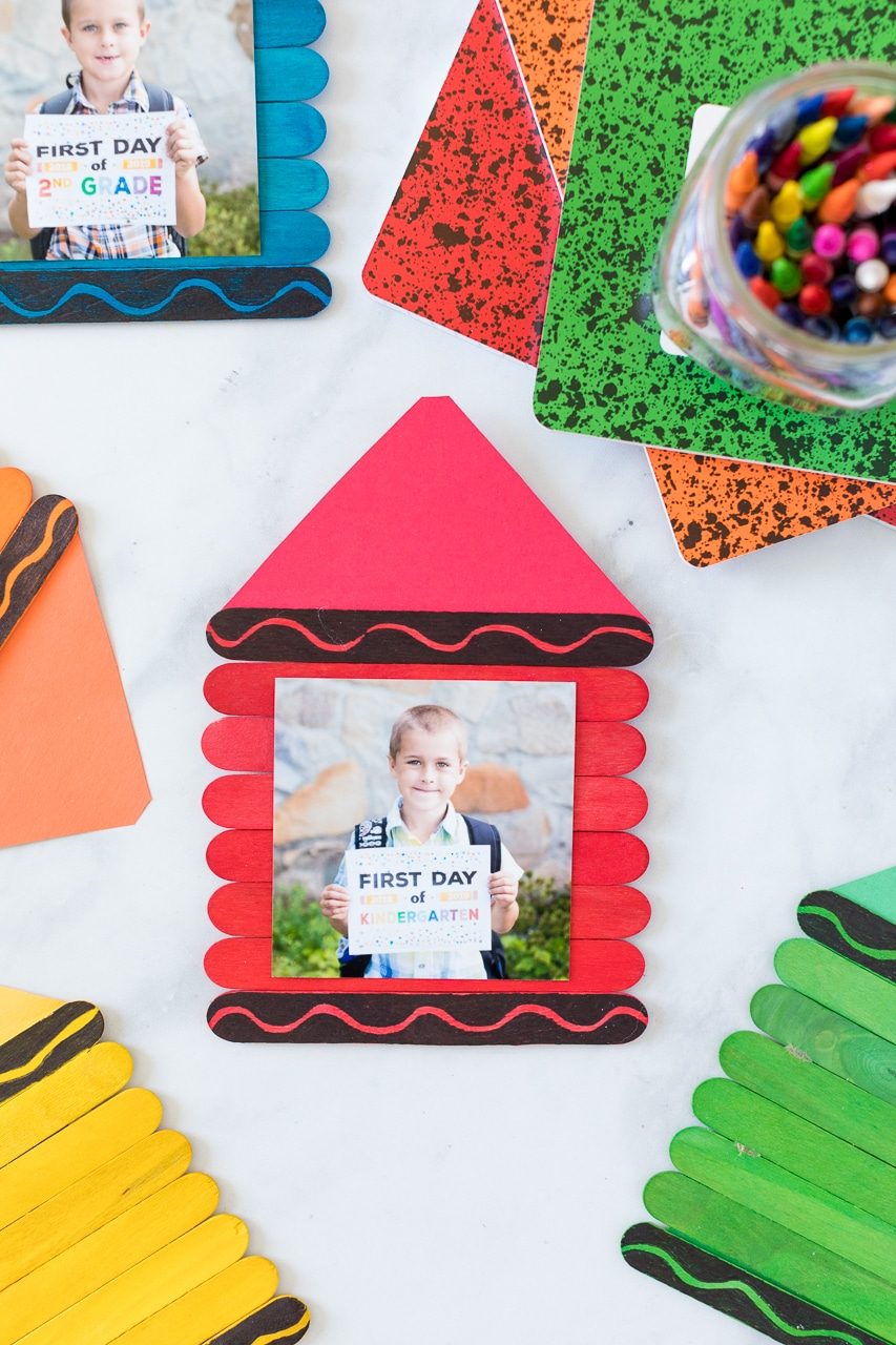 Back to School Frames are a fun first day of school craft for the littlest of crafters.Add a first day of shool picture for a fun and colorful keepsake.