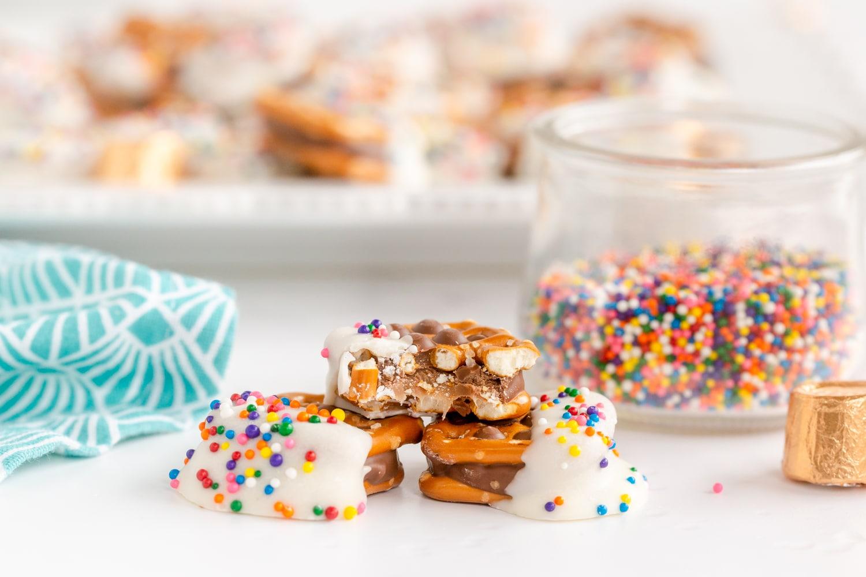 caramel in pretzel bites
