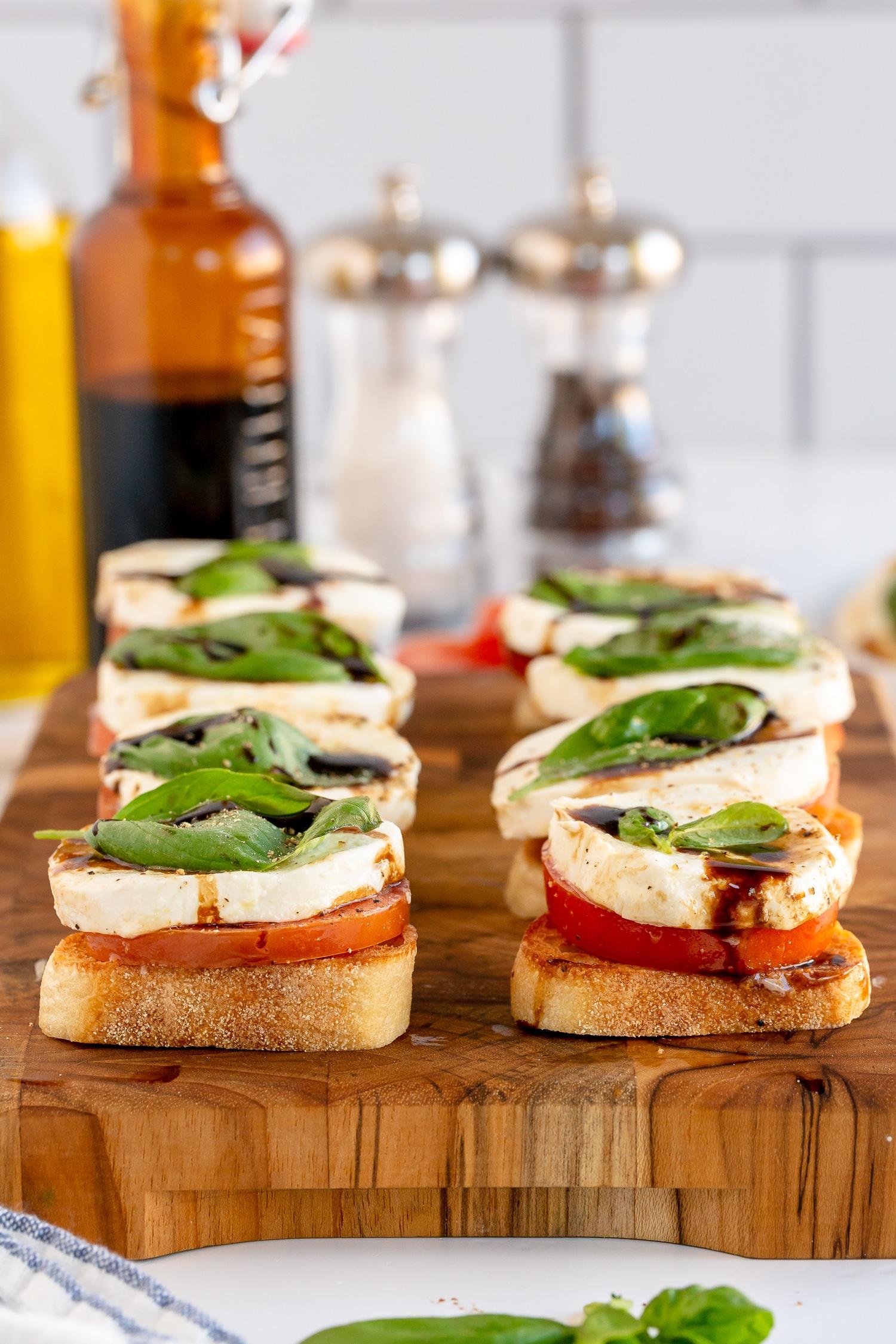 serve caprese salad on toast baguettes