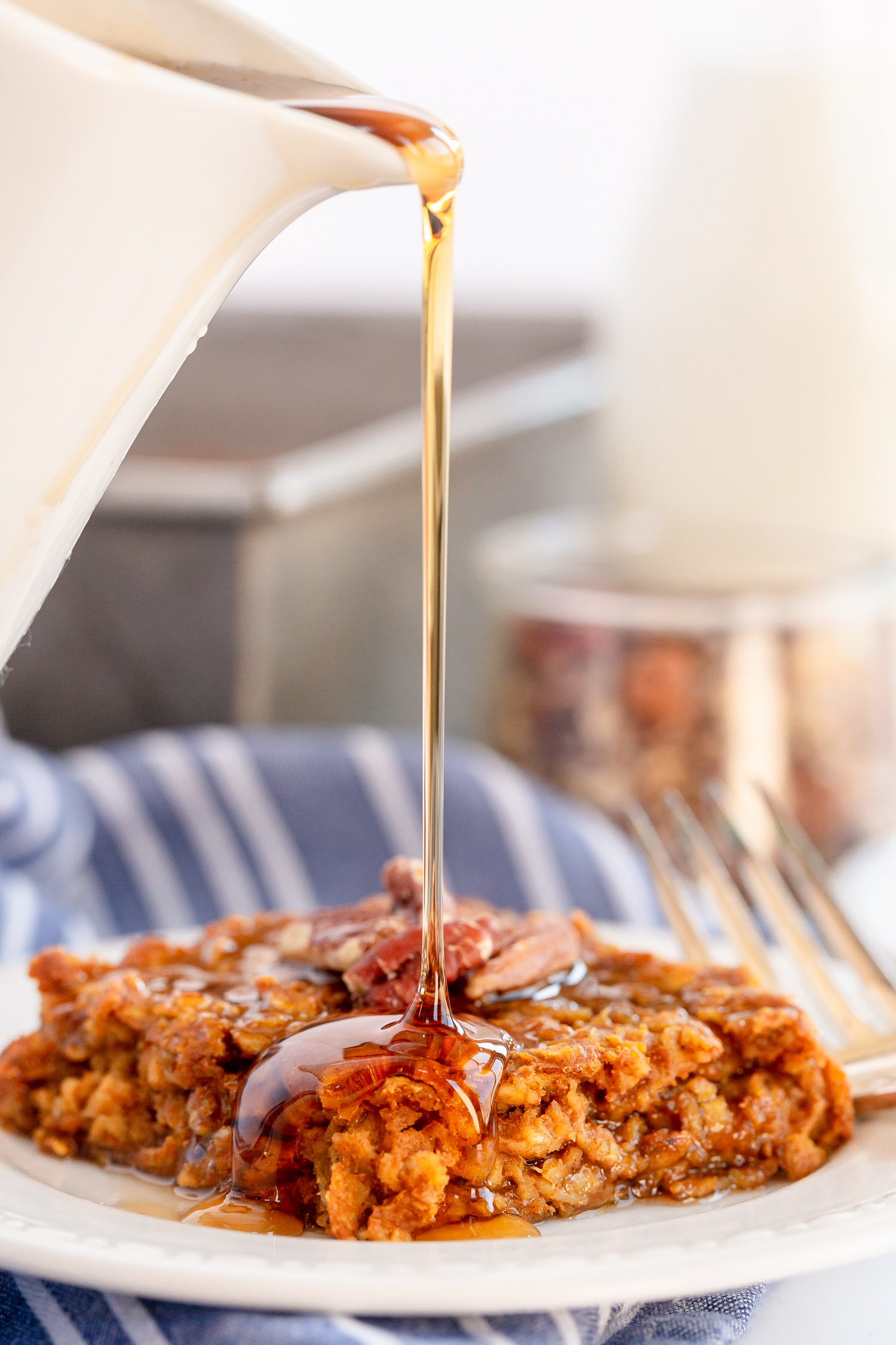 maple syrup drizzle over pumpkin pie oatmeal