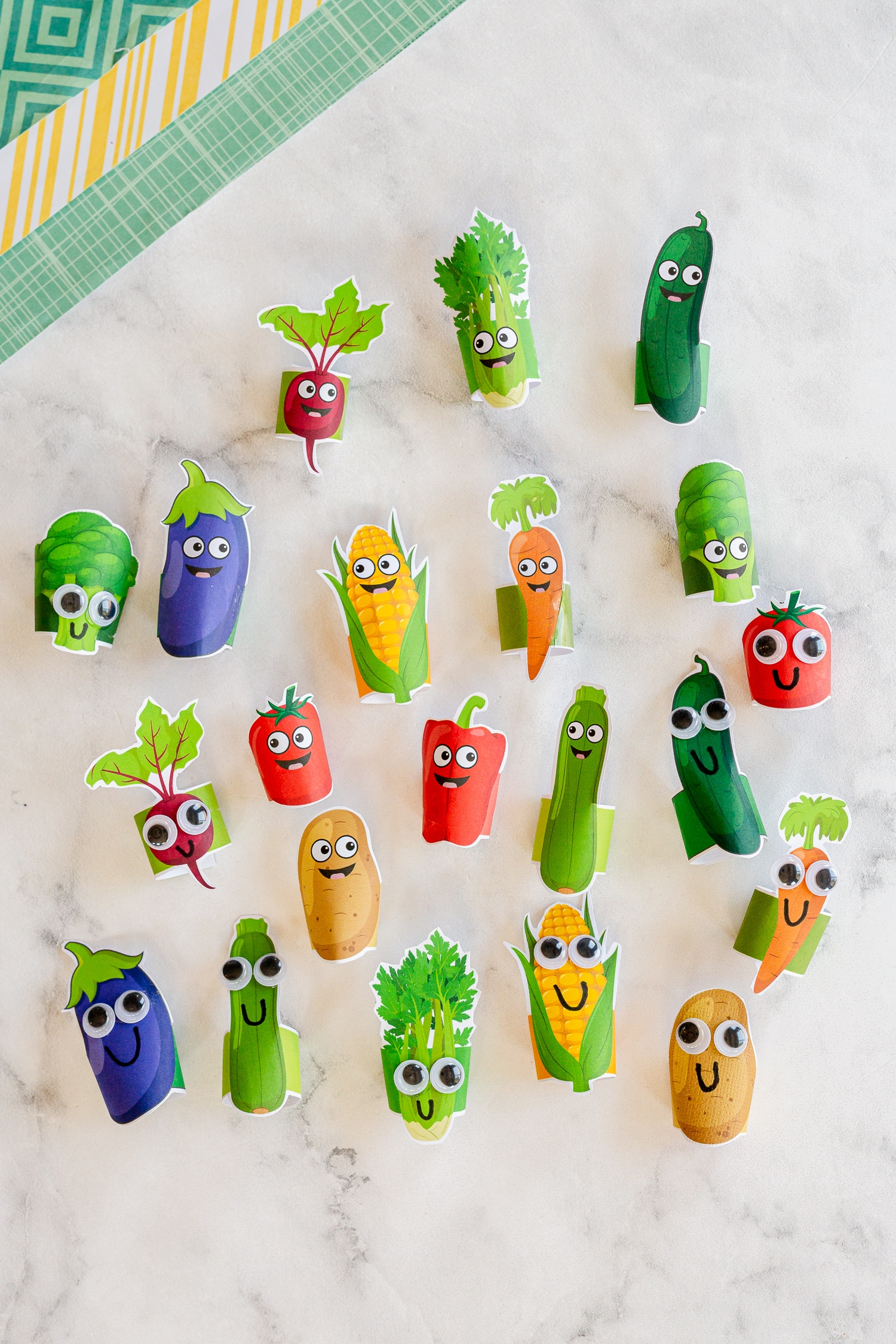 finger puppets with eyes and no eyes